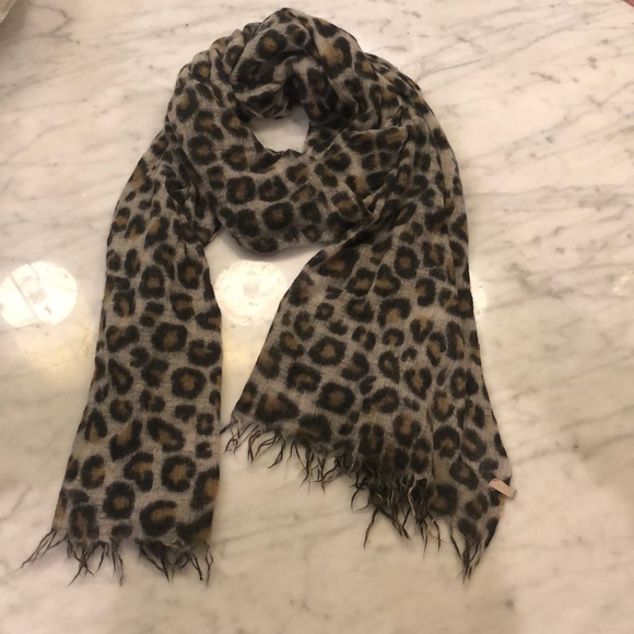 Wilfred animal print scarf